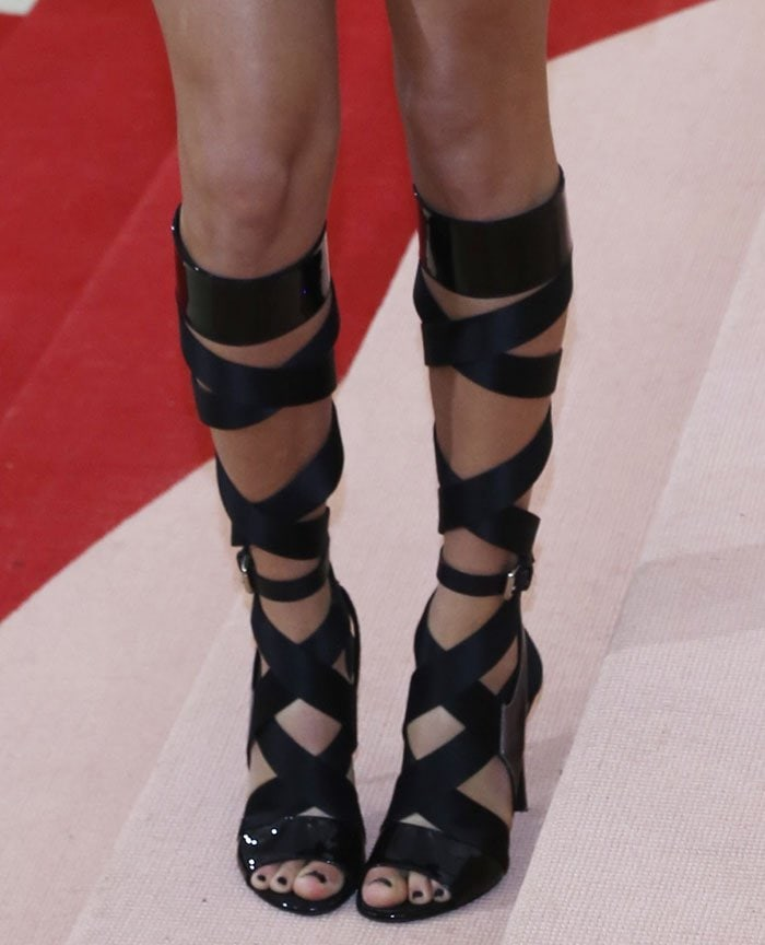 Taylor-Swift-Louis-Vuitton-strappy-knee-high-gladiator-sandals