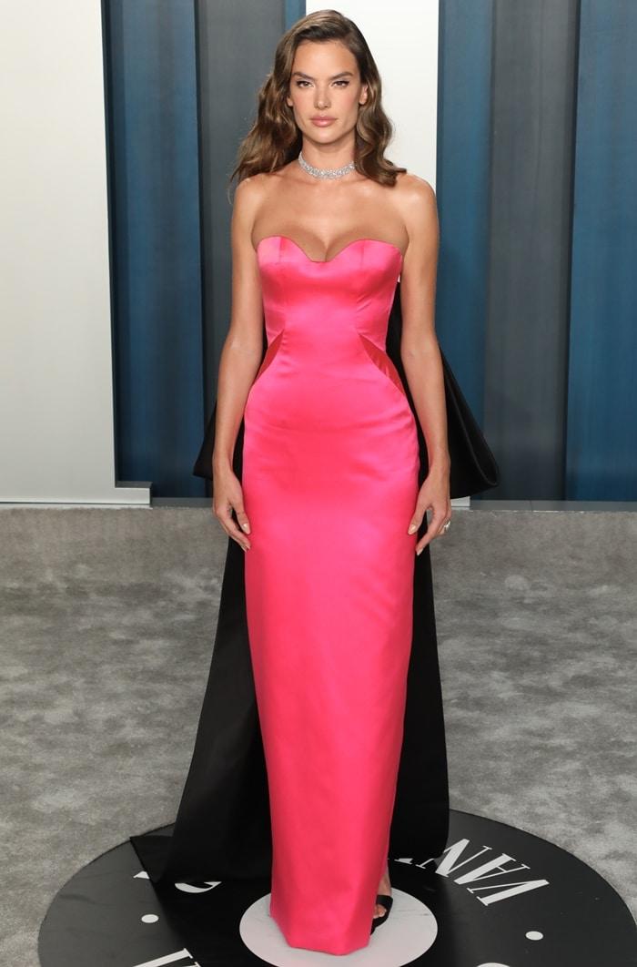 Alessandra Ambrosio wore a 60-carat diamond mesh choker at the 2020 Vanity Fair Oscar Party