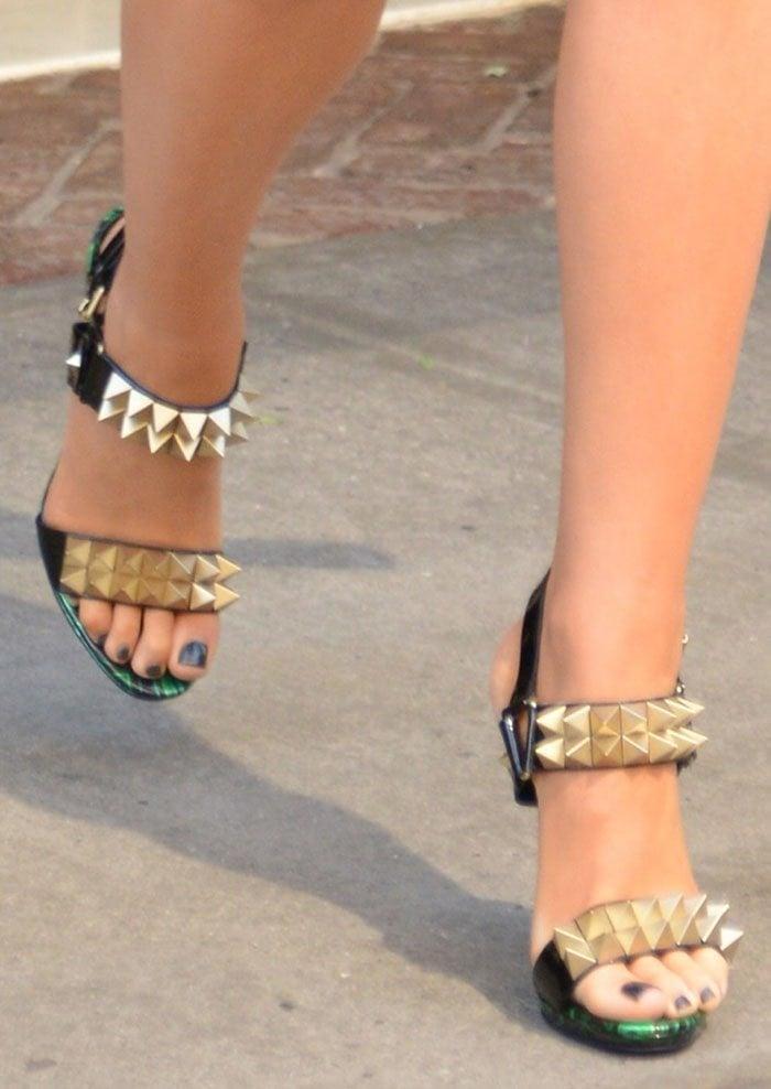 best service 94021 36583 Blake Lively Struts in Christian Louboutin 'Miziggoo' Sandals