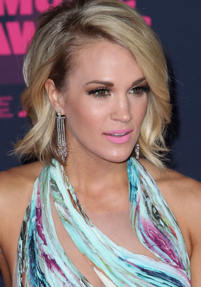 Carrie Underwood CMT Awards 2016 Jimmy Choo 1
