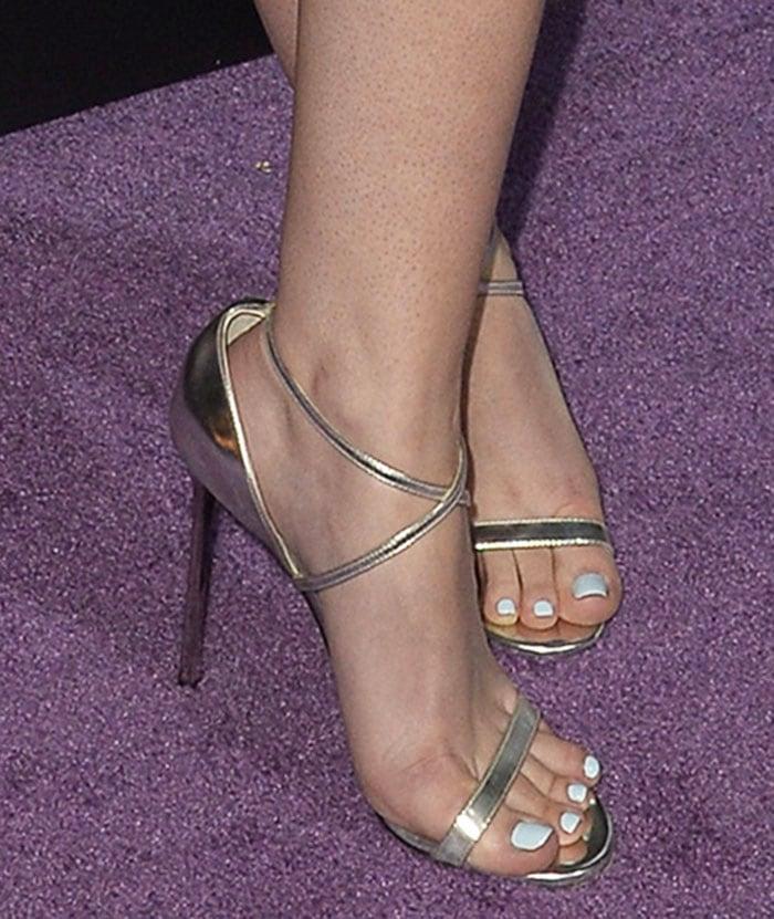 Dakota-Fanning-Jimmy-Choo-Hesper-Sandals