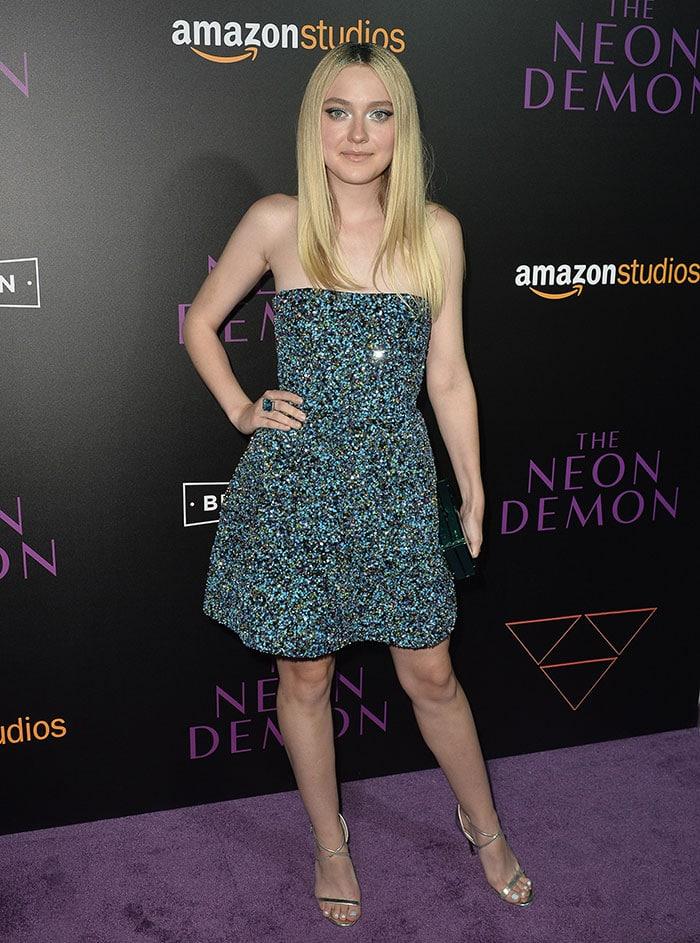 Dakota-Fanning-Neon-Demon-Los-Angeles-Premiere