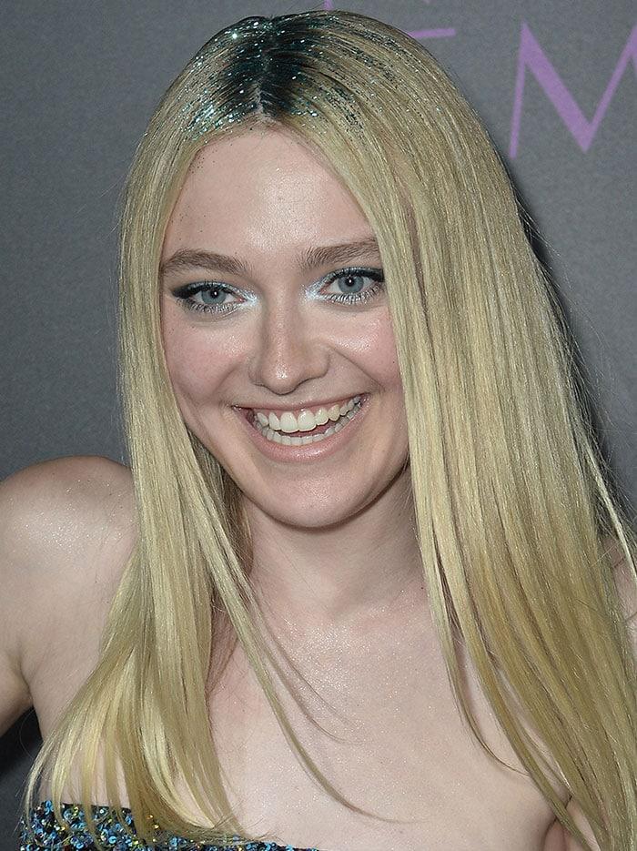 Dakota-Fanning-glitter-hair-eyeshadow