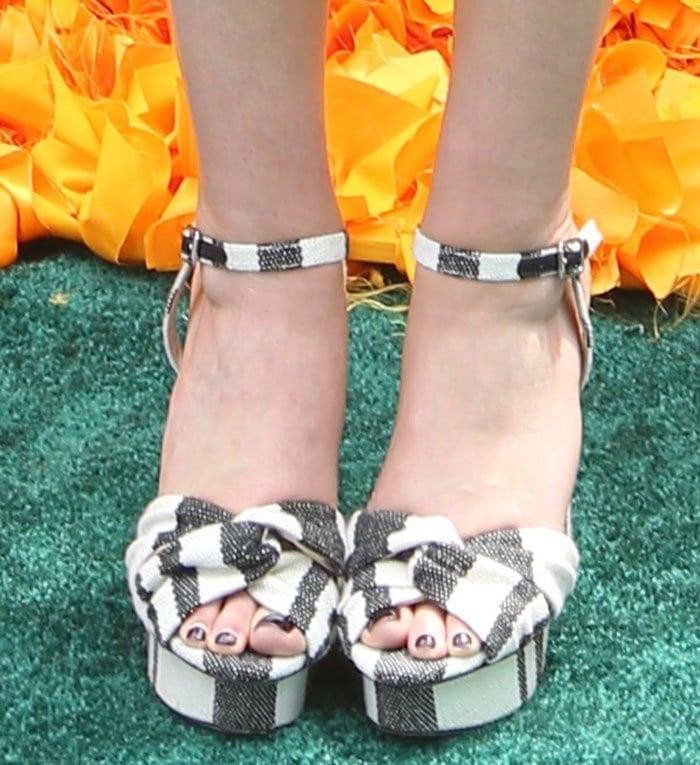 Elizabeth-Olsen-Loeffler-Randall-twisted-strap-sandals