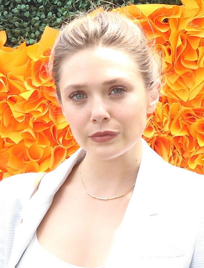 Elizabeth-Olsen-updo-lipstick