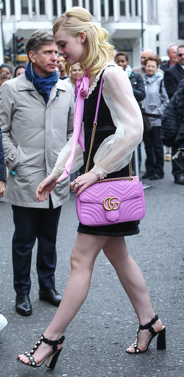2970d1420 Elle Fanning Gothic-Chic in Gucci 'Willow' Heels