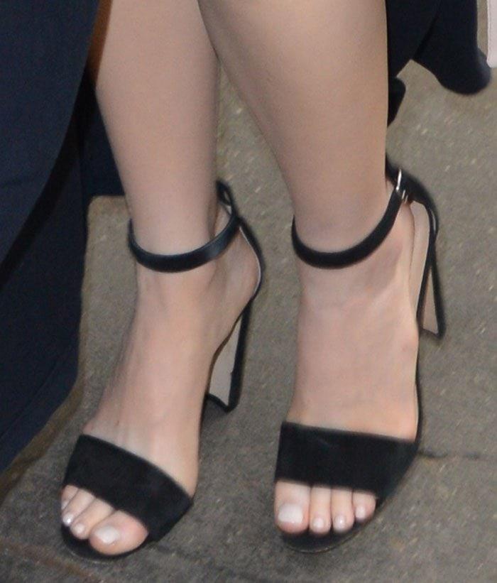 Emma-Stone-Manolo-Blahnik-Lauratopri-Sandals