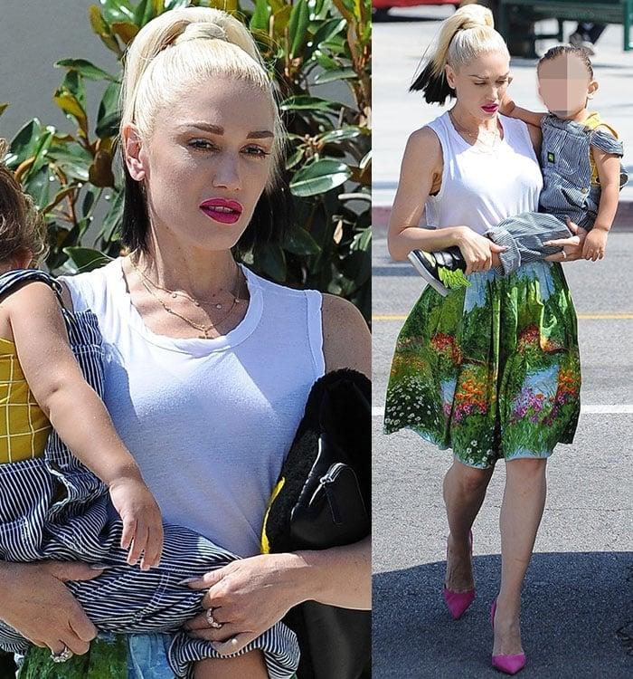 Gwen-Stefani-white-top-printed-mini-skirt