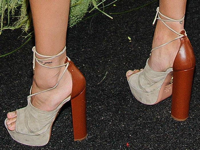 Hailey Baldwin Aquazzura Very Eugenie sandals