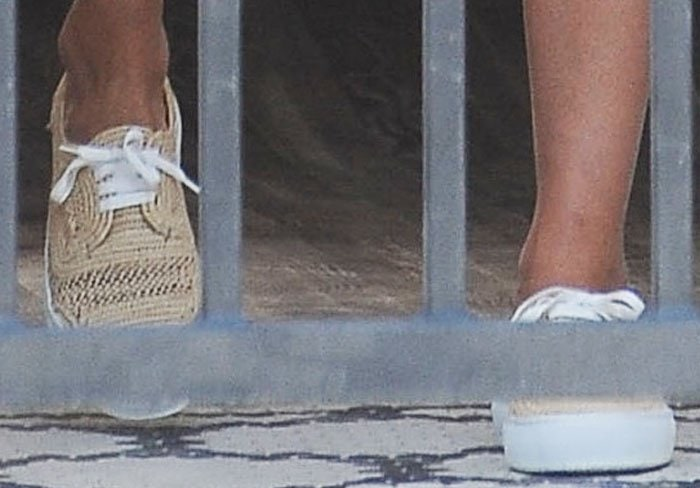 "Jessica Alba on a family Sunday funday in the Robert Clergerie ""Teba"" sneakers"