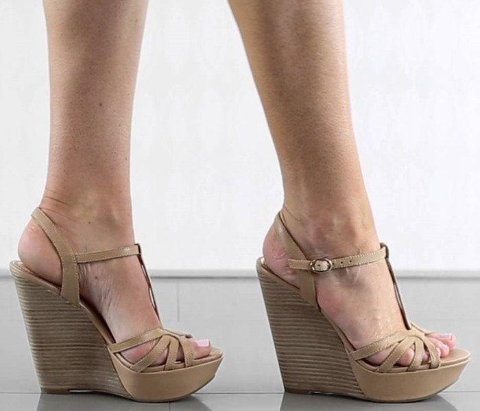 Jessica Simpson Bevin Model