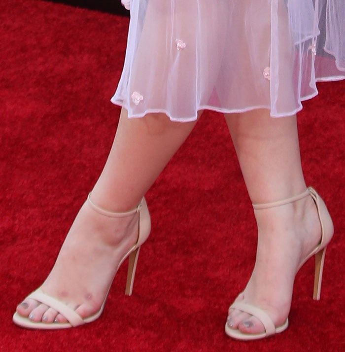 Joey King Youthful In Bill Blas Dress And Casadei Sandals