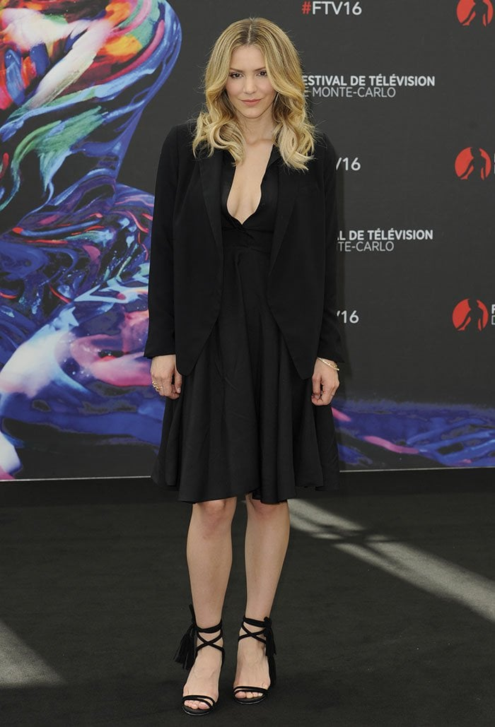 Katharine-McPhee-black-dress-blazer-sandals