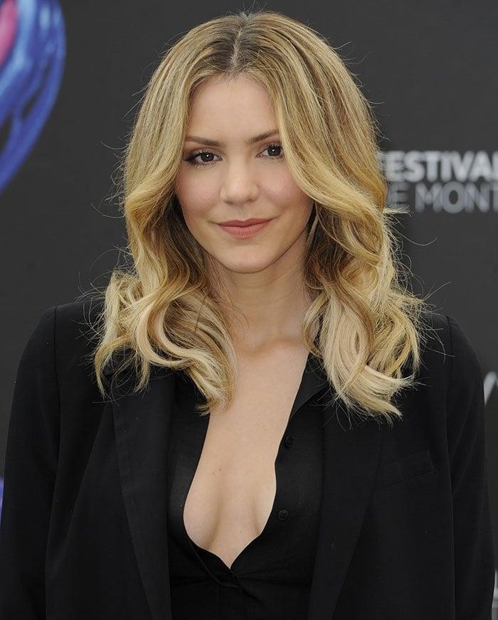 Katharine-McPhee-cleavage-hair-makeup