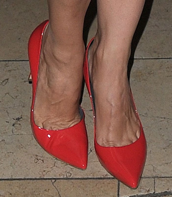 Kelly-Brook-Gina-Mischa-red-patent-pumps