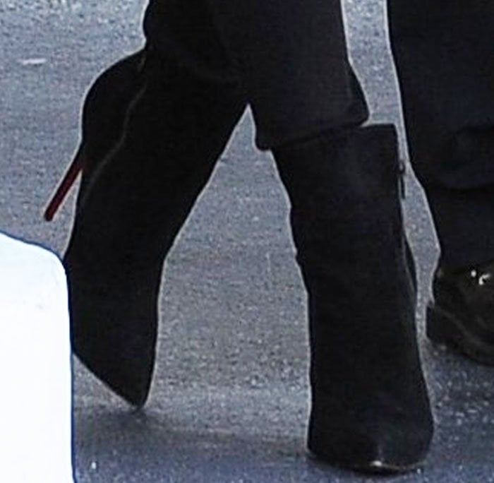 d2ed03dc0e8a Khloe Kardashian in Christian Louboutin  So Kate  Boots