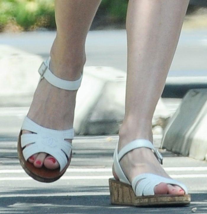 Kirsten-Dunst-Chanel-cork-wedge-sandals