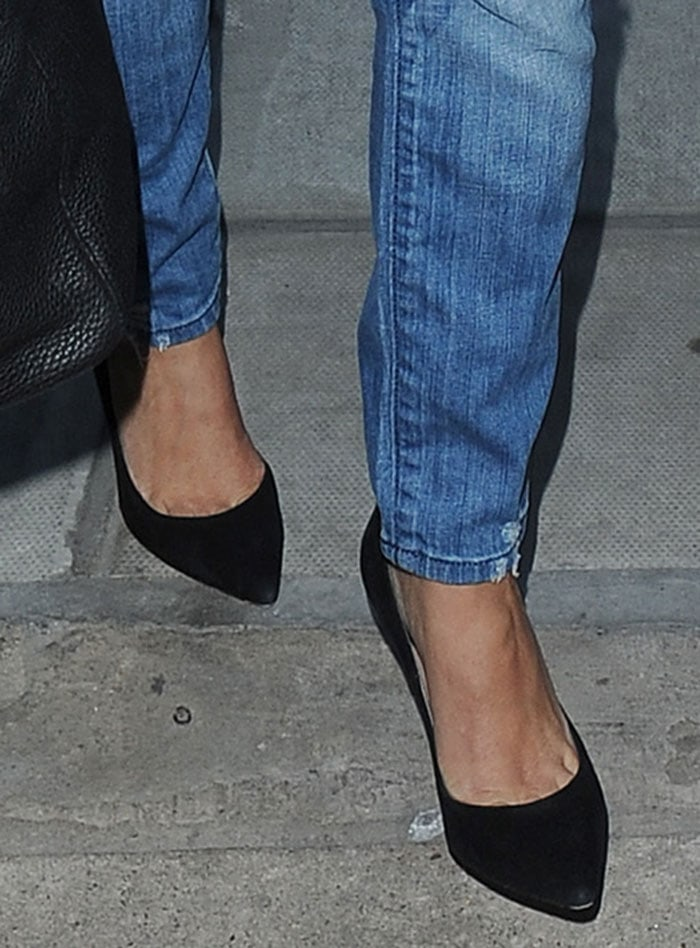 Kourtney-Kardashian-Gianvito-Rossi-pumps