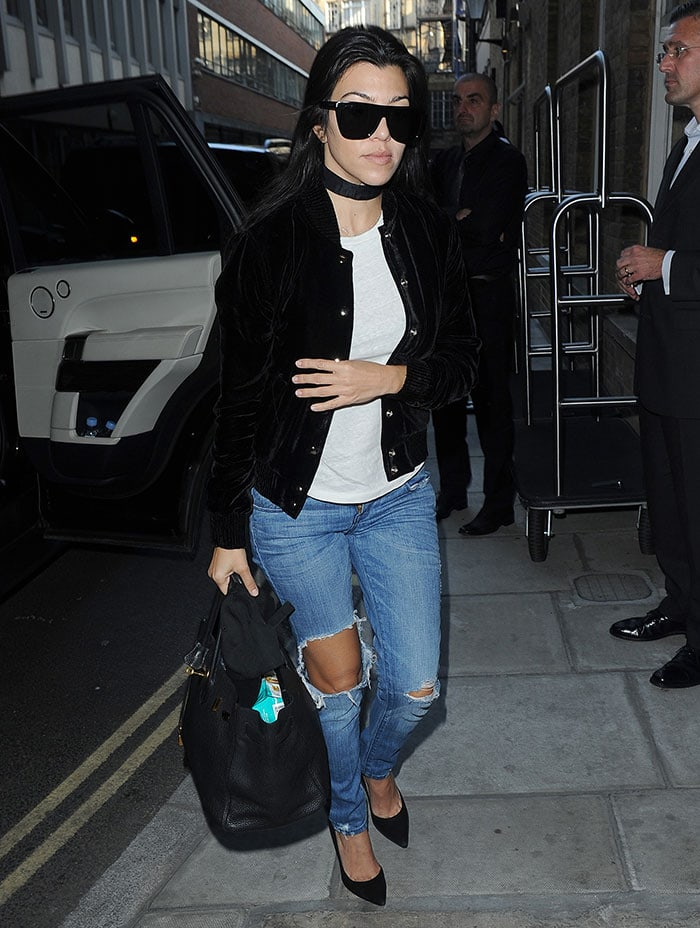Kourtney-Kardashian-London-hotel