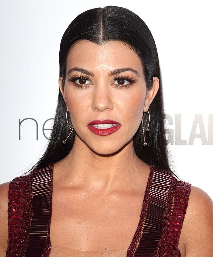 Kourtney-Kardashian-sleek-straight-hair-red-lipstick
