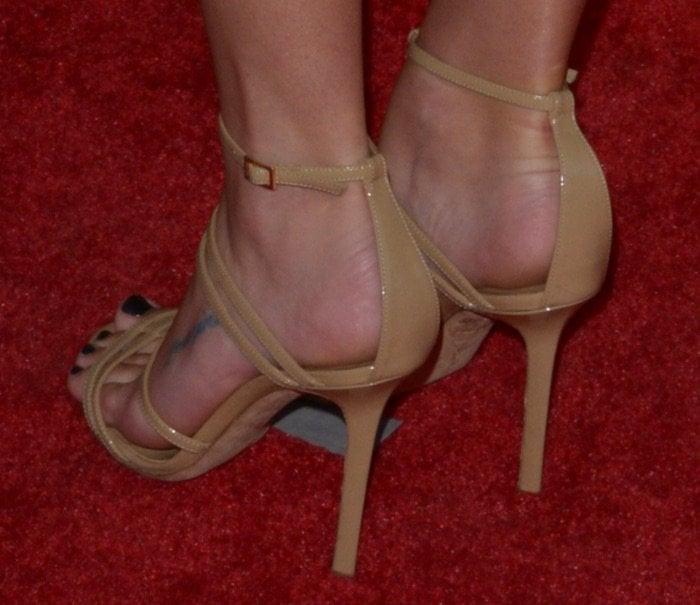 Lea Michele shoes2 tv academy 70th gala