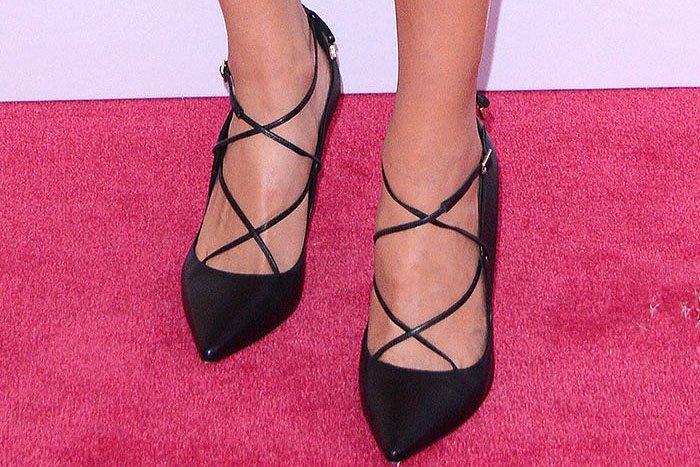 Olivia Culpo's feet in Kate Spade New York Priscilla pumps