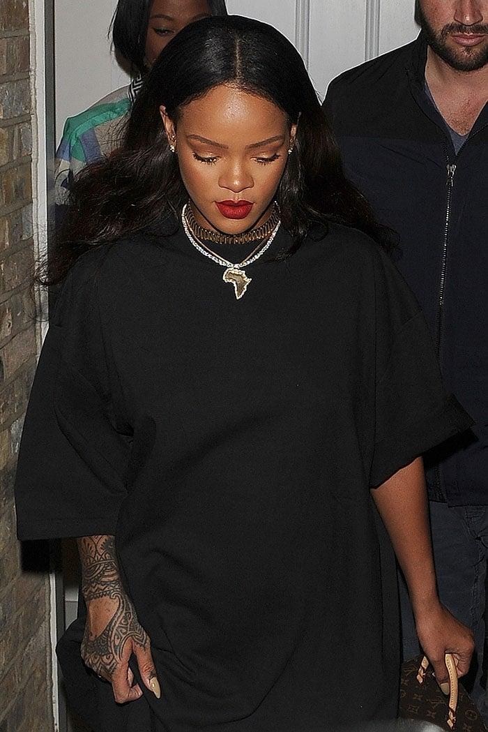 Rihanna black fur velvet boots 3