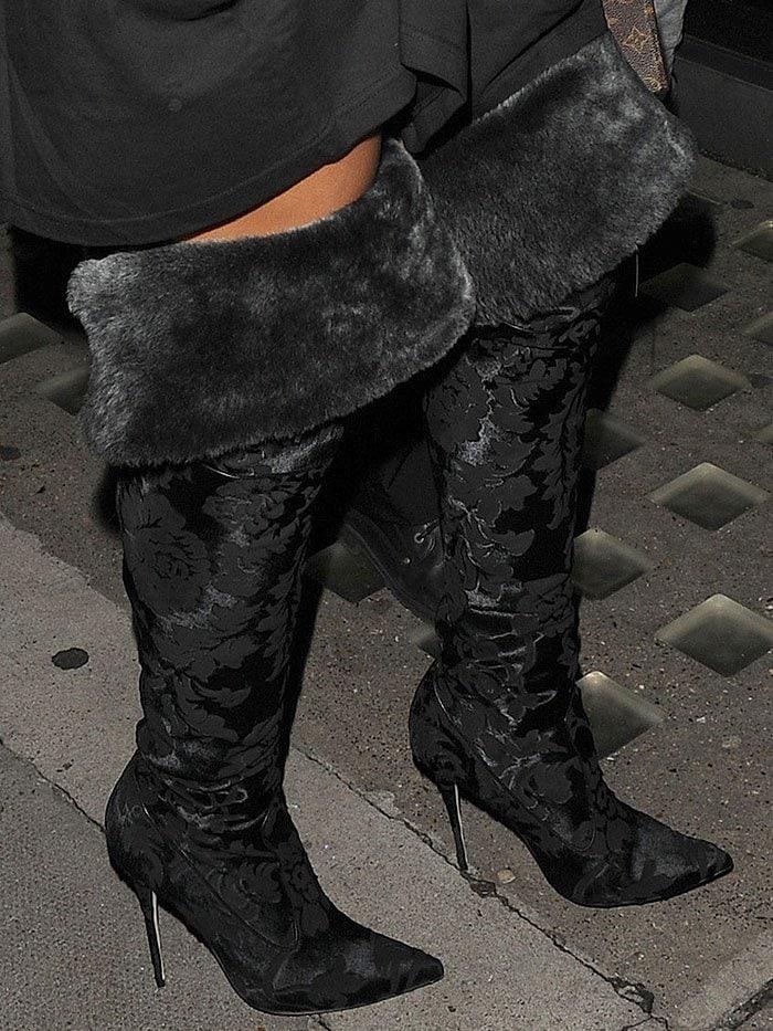 Rihanna black fur velvet boots 7