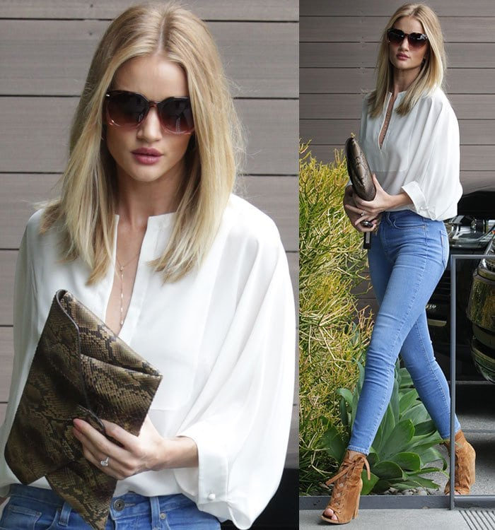 Rosie-Huntington-Whiteley-white-tunic-top-blue-jeans