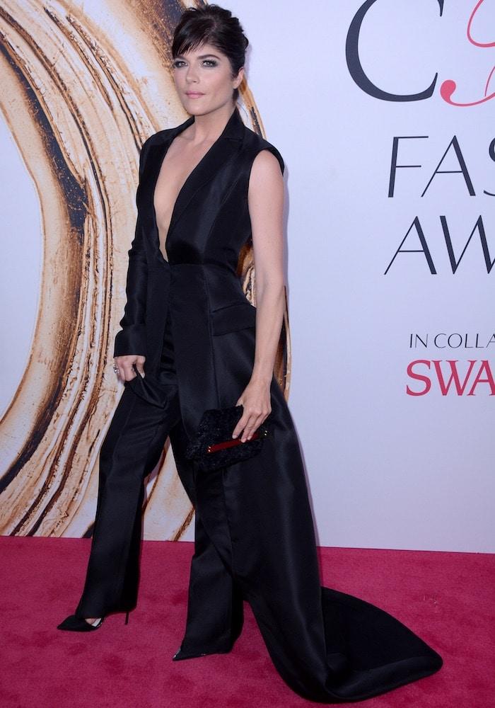 Selma Blair in an asymmetrical Christian Siriano pantsuit/dress hybrid