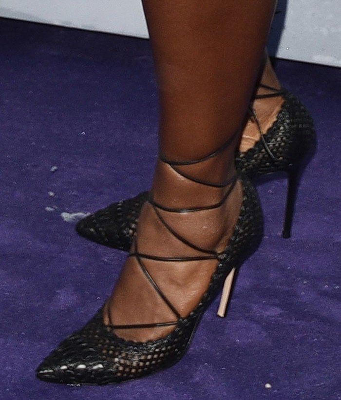 Serena-Williams-black-lace-up-pumps