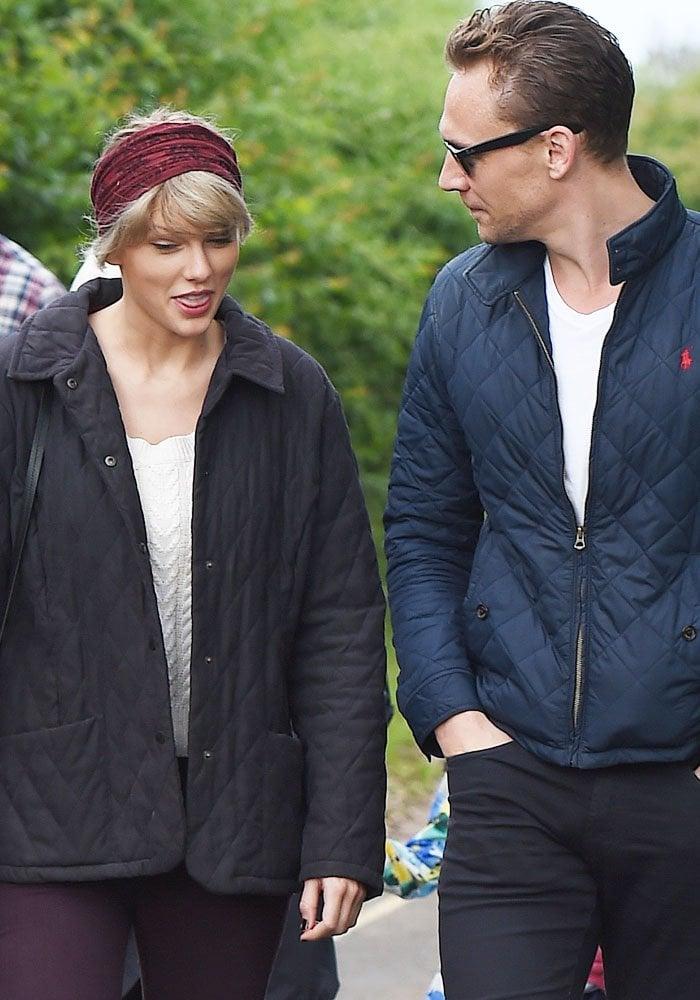 Taylor Swift Tom Hiddleston Mom Le Chameau 1