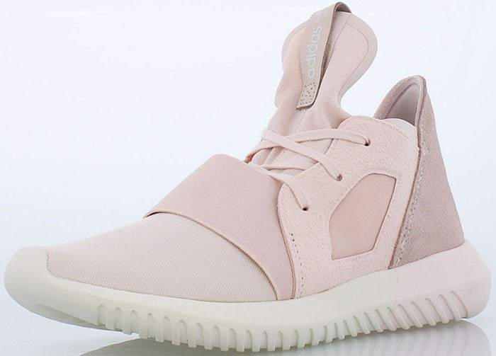 Kendall Jenner Hangs with Fans in Adidas  Tubular Defiant  Sneakers 3fac8a1c48b7