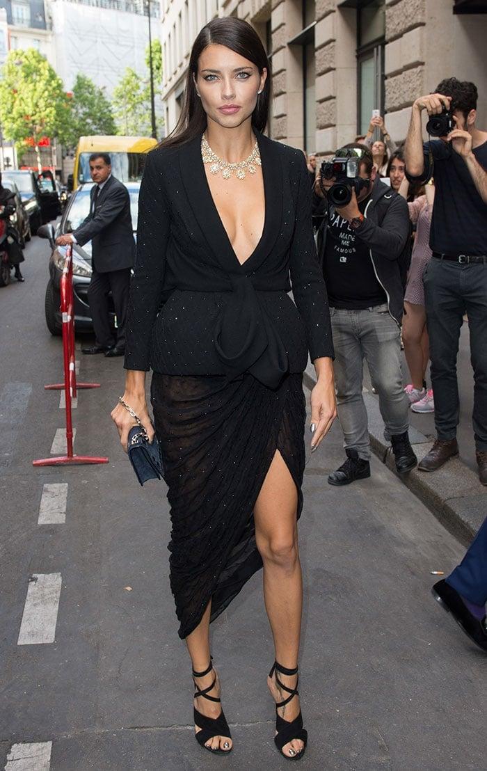 Adriana-Lima-Ralph-&-Russo-Paris-Fashion-Week