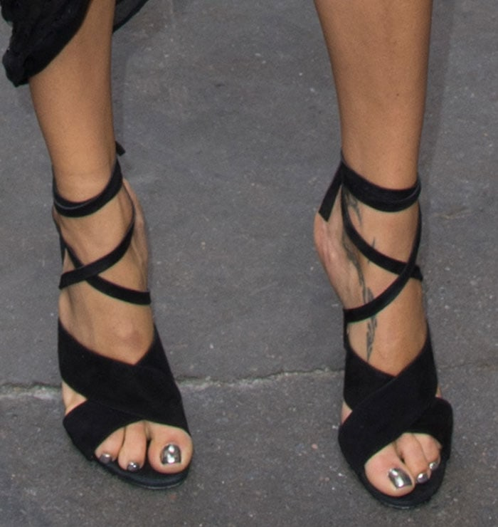 Adriana-Lima-black-suede-crisscross-sandals