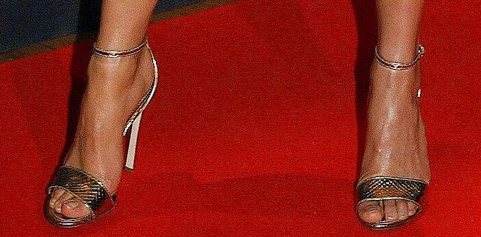 Alicia Vikander Jason Bourne Paris Premiere shoes
