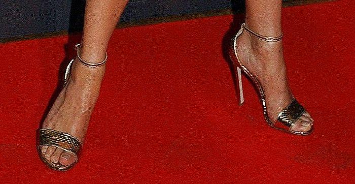 Alicia Vikander Jason Bourne Paris Premiere shoes2