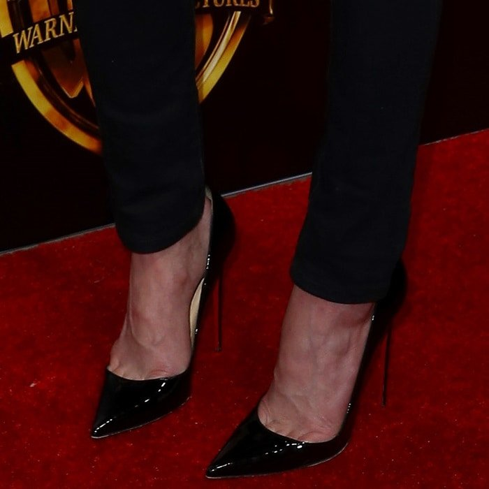 Amber Heard's feet in black patent 'So Kate' pumps