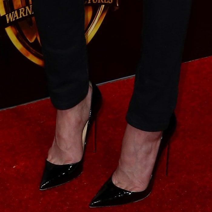 Amber Heard'sfeet in black patent 'So Kate' pumps