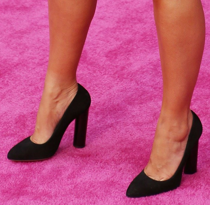Amber-Rose-black-suede-pointed-toe-pumps