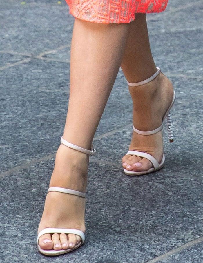 Blake-Lively-Sophia-Webster-Rosalind-Crystal-Heel-Leather-Sandals