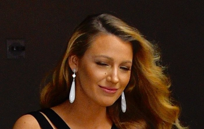 Blake Lively Tonight Show accessories2