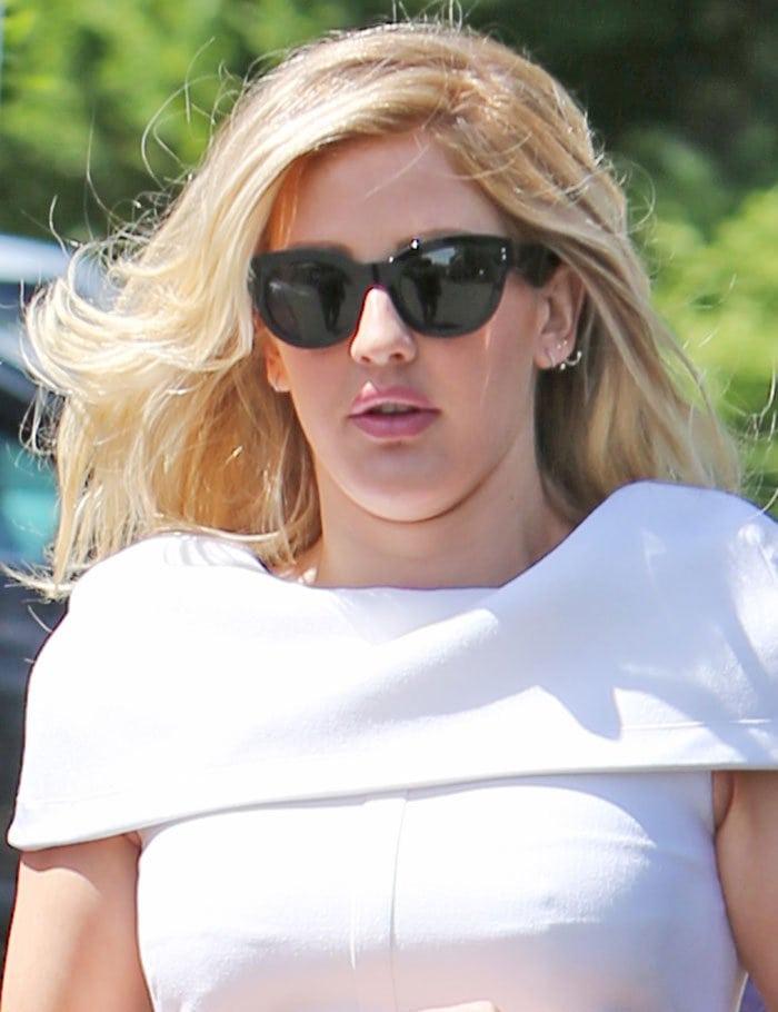 Ellie-Goulding-blonde-hair-fuller-lips
