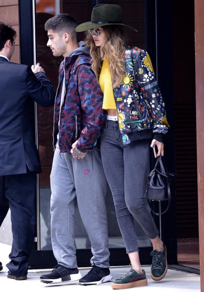 Gigi Hadid leaving apartment jul 6c
