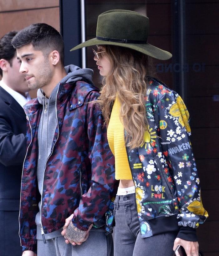 Gigi Hadid leaving apartment jul 6e