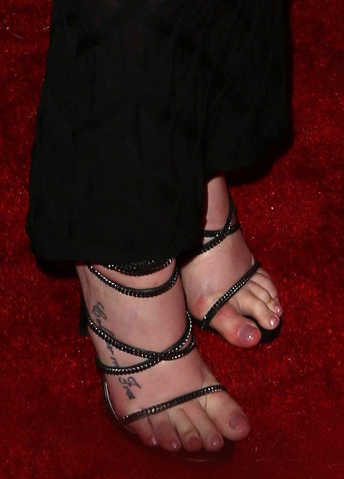 Iggy-Azalea-Stuart-Weitzman-Xchain-Sandals-1