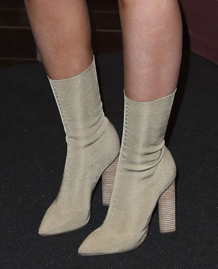 Iggy-Azalea-Yeezy-Beige-Knit-Boots-1