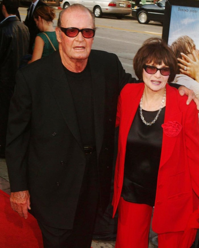 James Garner and his wife Lois Clarke during The Notebook premiere