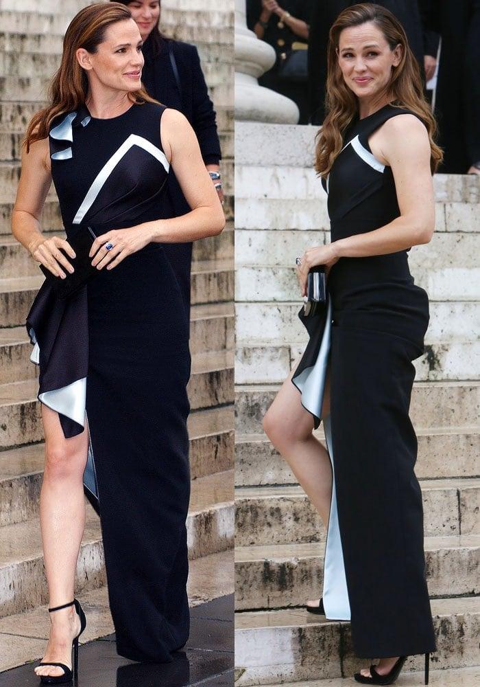 Jennifer Garner PFW Versace Black Sandals 3