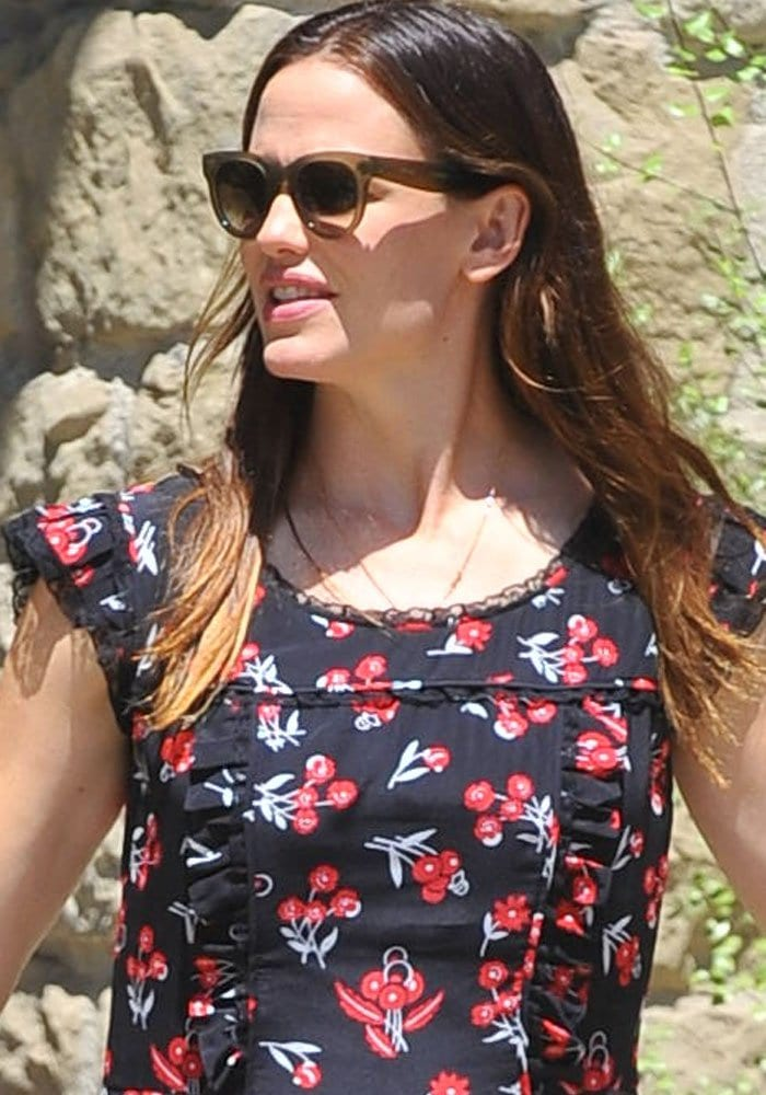 Jennifer Garner Violet Church Alaia 1
